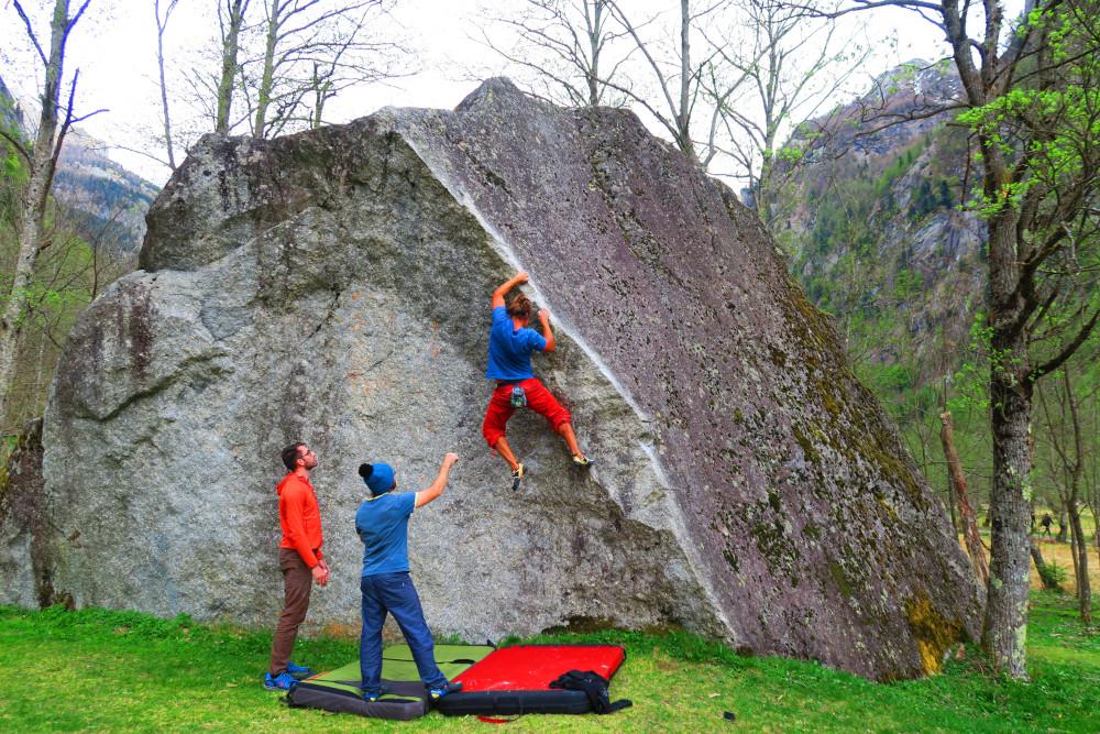 Val di Mello bouldering