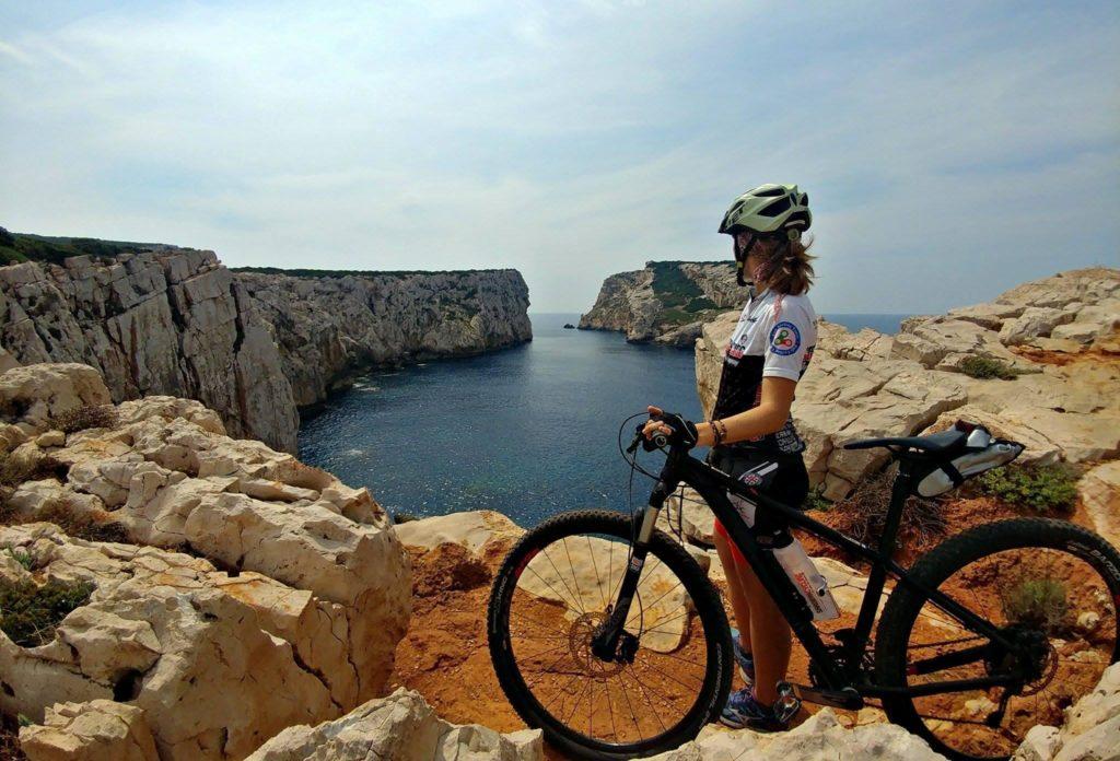 sardegna in bicicletta, tra mare ed entroterra