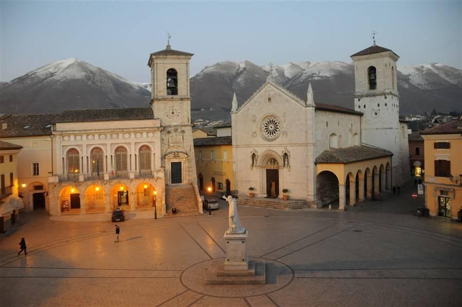 turismo religioso in umbria abbazia di san benedetto da norcia