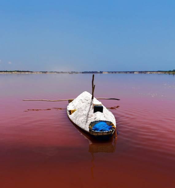 estrazione del sale dal lago Retba